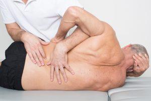 Ajuste lumbar en osteopatia